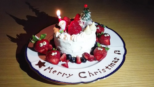 クリスマスケーキ(2人用)を手作り!初めてでもできた!!