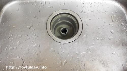 キッチンパイプの掃除方法って?臭いも詰まりも解消したい!